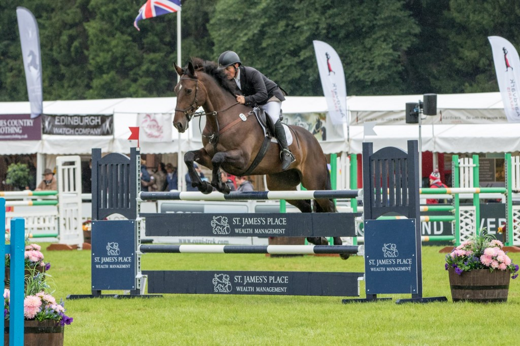 Rocquaine Bay with Andrew Downes 16th in the ERM CIC***