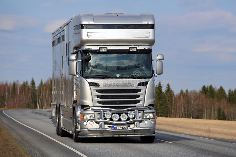 Horse Lorries and Some guidelines for cars!!!