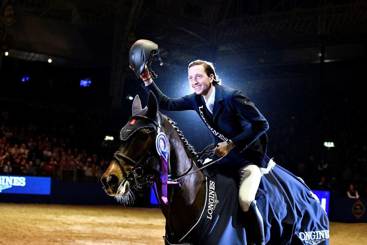 FUCHS' SINNER IS A SAINT IN THE LONGINES FEI JUMPING WORLD CUP